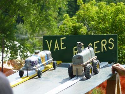 Stowe VT auto Show valve cover race