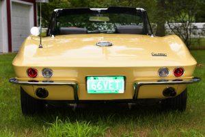 1966 corvette stingray (back)