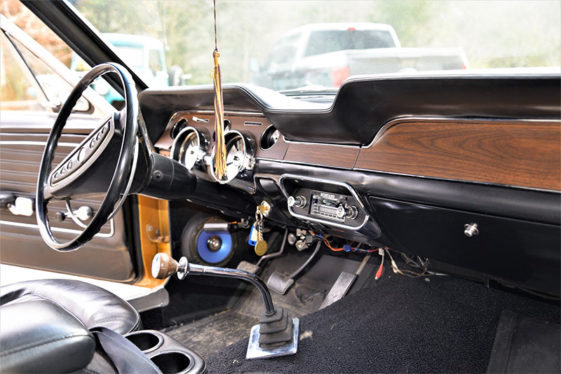 1968 ford mustang coupe interior